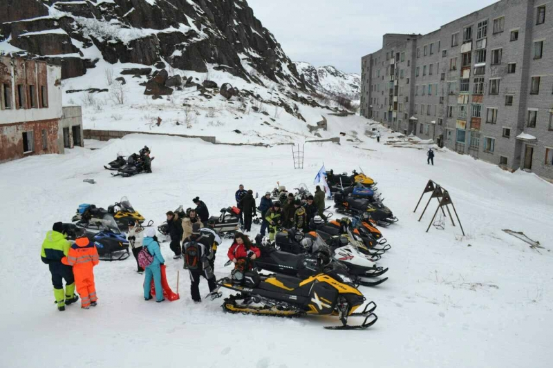 Из Североморска на снегоходах доберутся до Гранитного